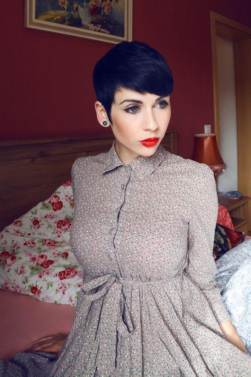 noralovely:  me.Nora Lovely.