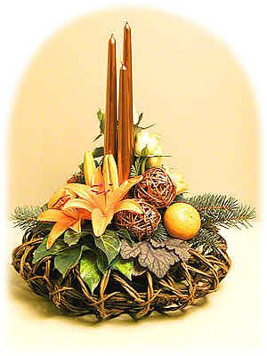 Orange-Copper Christmas Flower Arrangement #christmascenterpiece