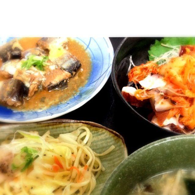 義父さん用・・・旦那ちゃん帰って来ず、先に食べてもらった(´ω`;) - 7件のもぐもぐ - さんまの味噌煮、タコキムチ、塩焼きそば、モヤシスープ by mi1002