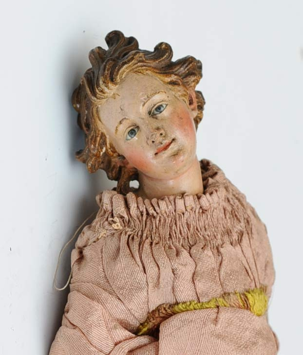 detail of early creche figure from collection http://www.fairfieldauction.com/12%20septweb/199_2.jpg