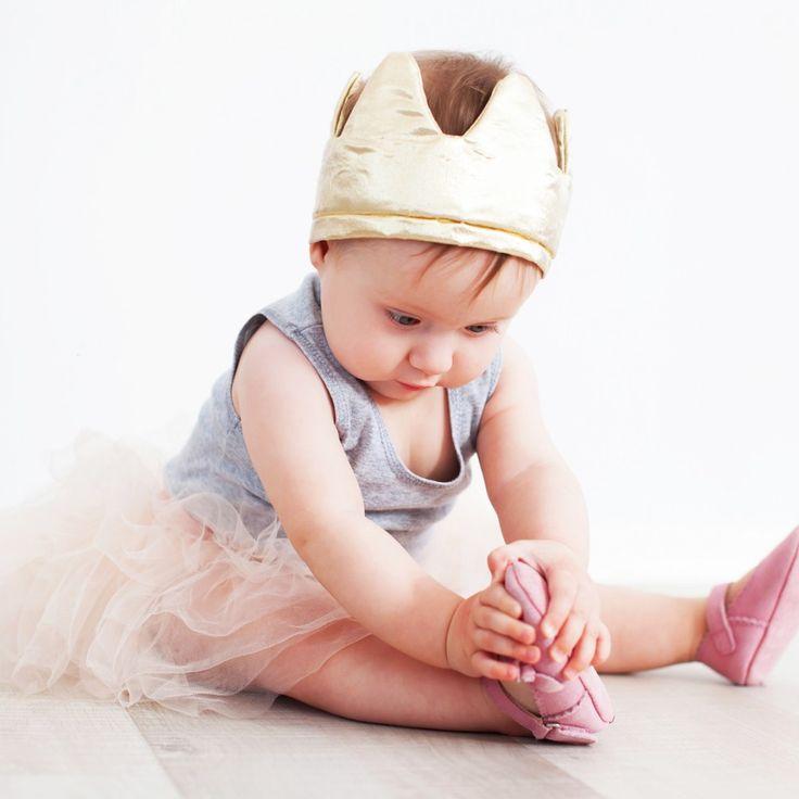 Niektóre zabawy są szkodliwe dla delikatnego organizmu niemowląt i zdecydowanie zakazywane przez lekarzy.