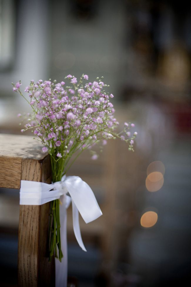 Budget aisle flower idea