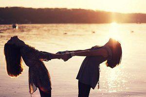 O que perdoa a transgressão busca a amizade; mas o que renova a questão, afastam amigos íntimos. (Provérbios 17:9)
