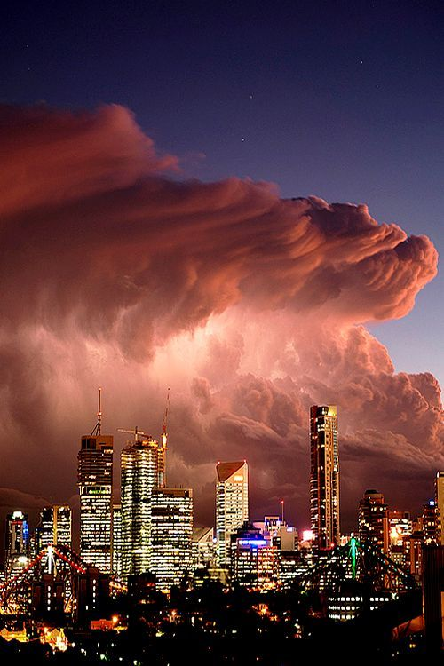 A very memorable dust storm when the sky became dark and Melbourne was invaded by a wall of dust from the Big Desert.
