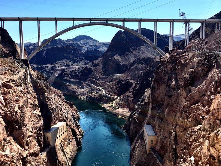 Mike O'Callaghan–Pat Tillman Memorial Bridge, Hoover Dam