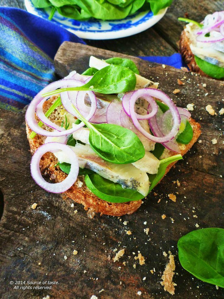 Herring  Spinach & Onion Open Sandwich