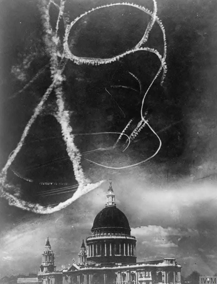 Dogfighting Over The Saint Paul S Cathedral During The London Blitz Circa 1940 London Blitz Battle Of Britain The Blitz