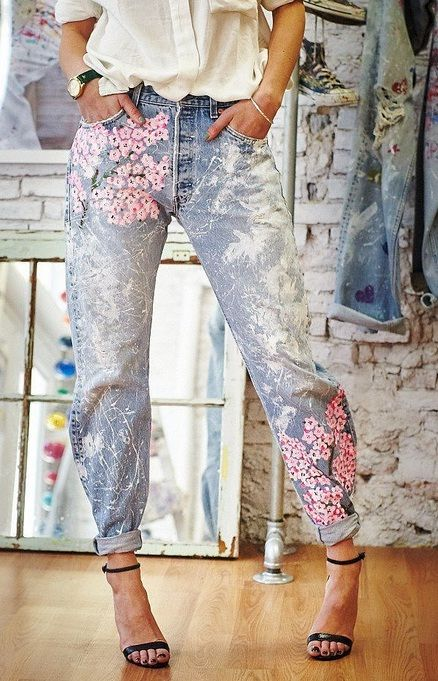Cherry blossom painted denim blue jeans. //Pinned on @benitathediva , LifeSTYLE Blog