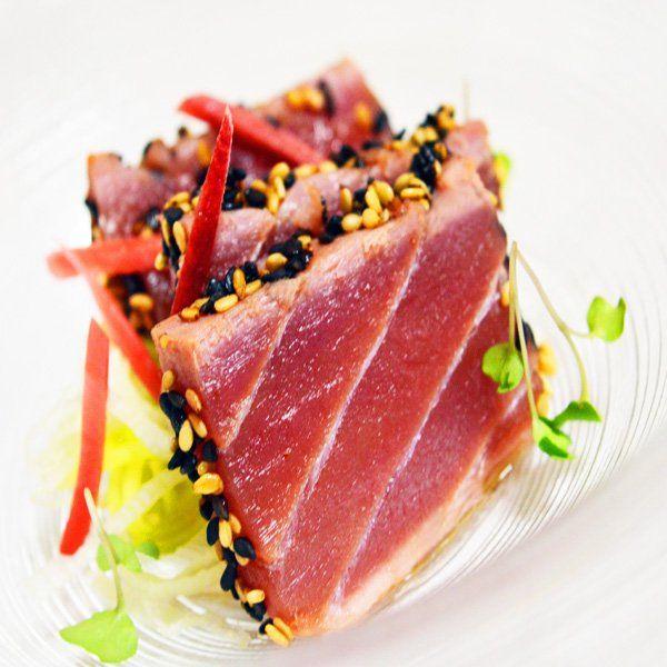 Tataki di tonno con zenzero rosso e porro