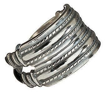RING   Material: bronze or silver