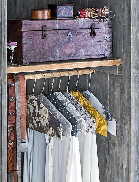 kledinghoezen kast hangers