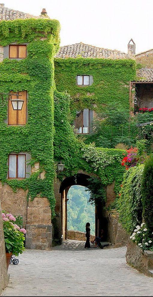 Civita-di-Bagnoregio ~ Tuscany, Italy