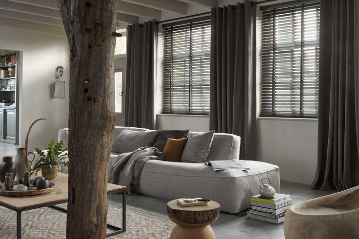 Grijze #gordijnen van Toppoint in de #woonkamer. #grey #curtains