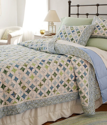 Catheral Window Quilt.... blues and greens
