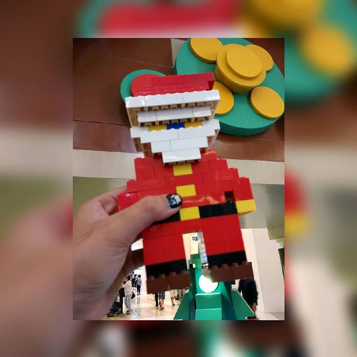 Those who truly believe are always rewarded with the truth - Santa Claus.    Santa Claus Lego.  Lego Christmas at @sms_serpong   #merrychristmas #lego #christmaslego #santaclauslego #santaclaus #instamoment #instagood #happysunday