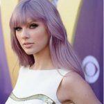 haare lila mit taylor swift #lilahaareombre #haarelilafarben #lilafaben #lilafrisuren #haarelilakurz #kurzhaarfrisuren #frisuren #frisuren2017 #lilahaar #haarelilaombre #purple #purplehair #mor #hair #hairstyles #haarstylen #purplehairstyles #frisurenlila #lila