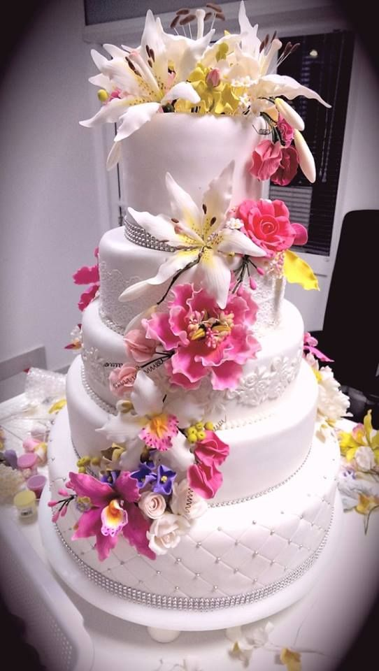 gumpaste sugar flowers for wedding cakes 37 best images about gum paste flowers on cake 15025