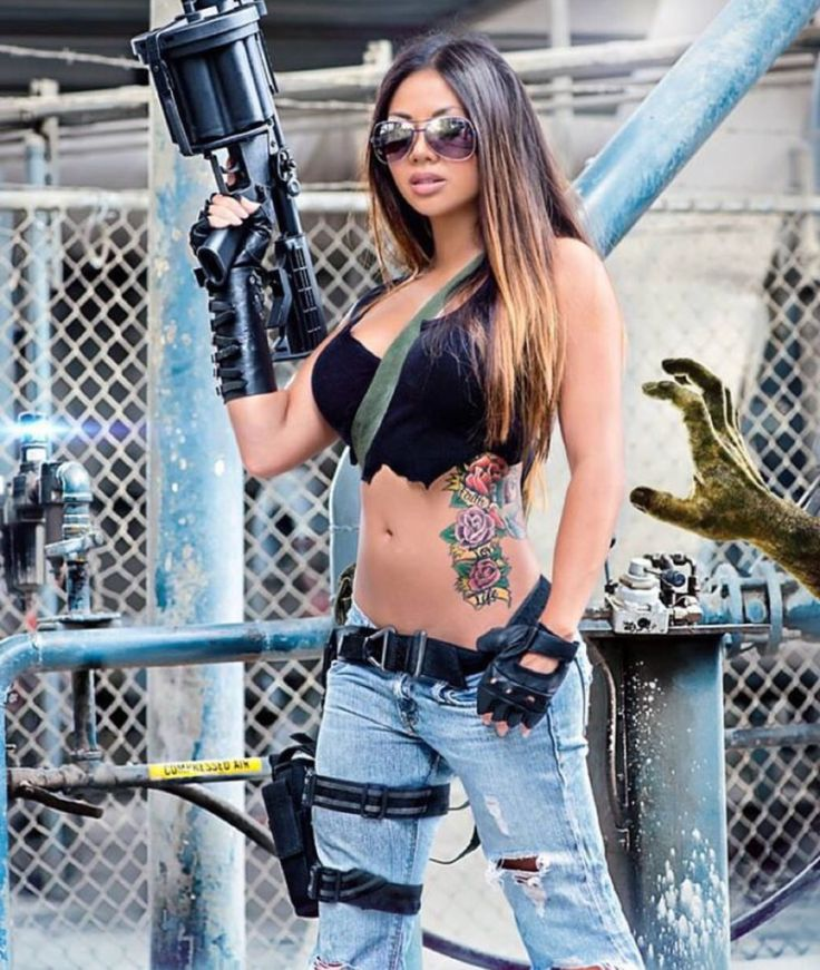 Who Is More Sexy Girl Or Gun