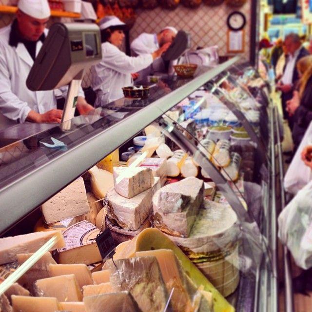 Formaggio in Sant'Ambrogio #formaggio #cheese...