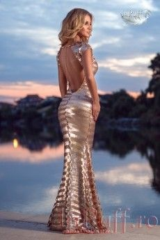 Rochie Lunga din paiete aurii