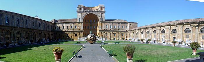 Vista del patio de la Piña, de los Museos Vaticanos