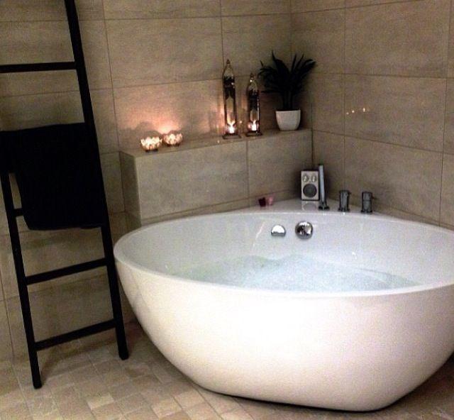 .Replacement corner bath...