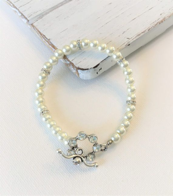 White Pearl Glass Bead Bracelet with Silver Plated Rhinestone