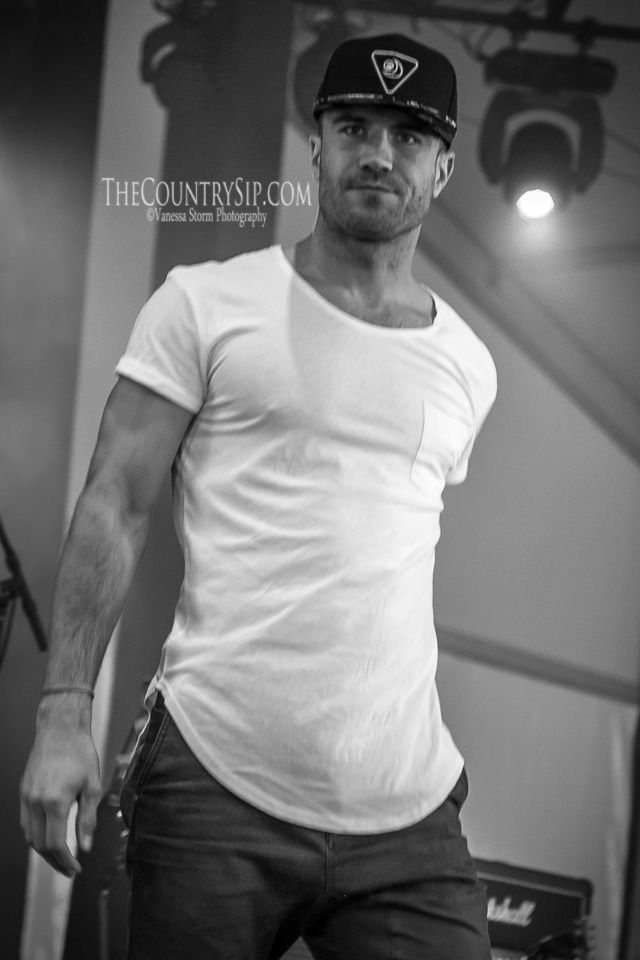 Sam Hunt at Faster Horses Festival // Brooklyn, MI July 2014 // TheCountrySip.com // ©Vanessa Storm Photography