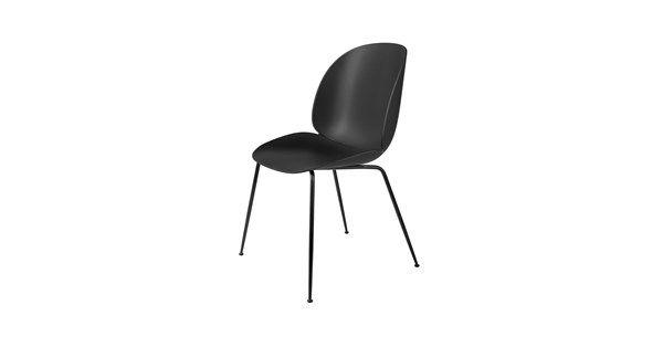 Designduon GamFratesi förkroppsligar mötet mellan italiensk och dansk design. Kontrasterna är ofta nyckeln till deras inspiration och de arbetar strikt inom en skandinavisk inställning till hantverk, enkelhet och funktionalism. Beetle stol är tillverkad i formgjuten plast i olika färger med olika ben att välja till.