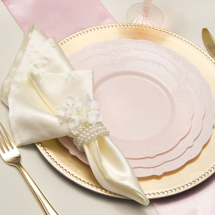 Save on low cost Vintage light pink high end plastic dinner plates for fancy showers holiday catering u0026 discount weddings on a budget. & 39 best Dinner Drink Utensils images on Pinterest | Dream wedding ...