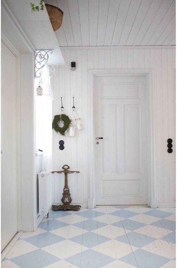 les 25 meilleures id es de la cat gorie planchers peints en blanc sur pinterest plancher blanc. Black Bedroom Furniture Sets. Home Design Ideas