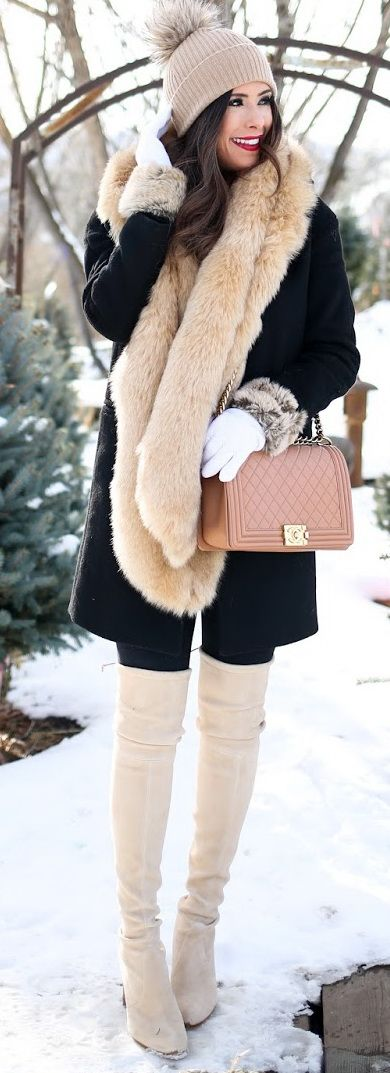 TURTLENECK: Madison & Berkeley | | LEGGINGS: Zella | BOOTS: Stuart Weitzman | FAUX FUR STOLE: Topshop | BEANIE: Halogen
