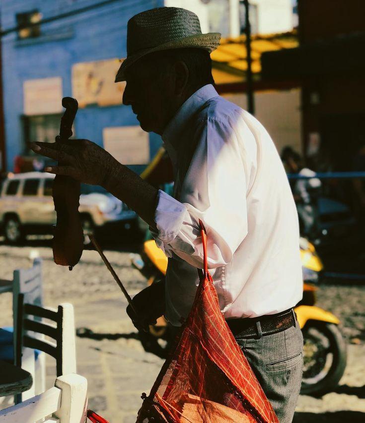 An old violinist      #storyofthestreet #streetshared #streetphotographers #gramslayers #streetmagazine #everybodystreet #instamagazine_ #citygrammers #streetxstory #streetphotographyinternational #streettogether #streetleaks #photodocumentary #street_photography #magnumphotos #livefolk #streets_storytelling  #createcommune #visualoflife  #peopleinframe #peopleinsquare #mexigers_deldia #igersmexico #visualsoflife #street_vision #streets_vision #mexicocity #violin