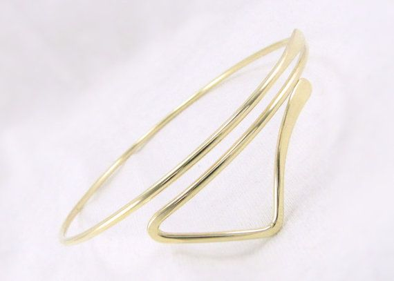 GoLd ARmLeT: Brass Bicep Bracelet Upper Arm Cuff Triangle Upper Arm Bracelet Chevron Armband Boho Bracelet Trending Bohemian Jewelry Item