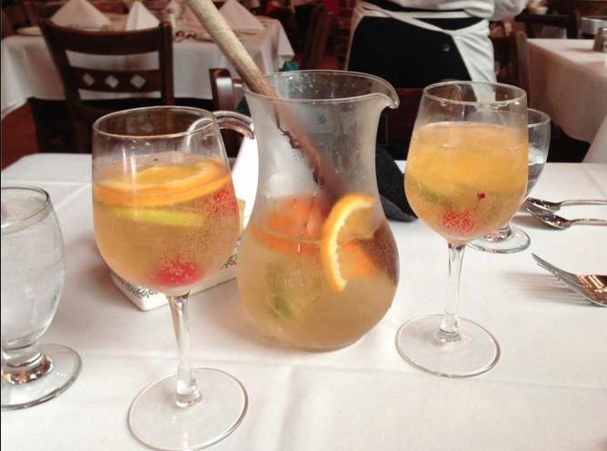 Sangria Di Cava, a refreshing sparking white sangria, is perfect for brunch!