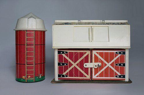 Fisher Price farm: The Doors, Childhood Memories, Price Farms, The Farms, Memories Lane, Barns Doors, Vintage Fisher Price, Price Barns, Kid