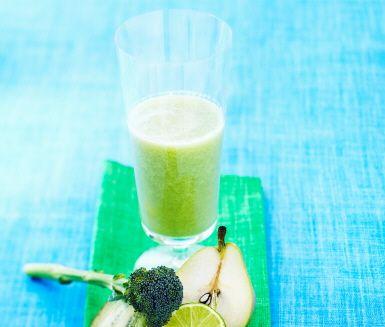 Broccoli, kiwi och lime gör att den här fräscha juicen smakar nyttigt och syndigt på samma gång.