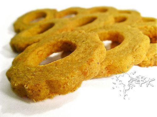 Biscotti di farina di ceci all'arancia, cocco e cannella