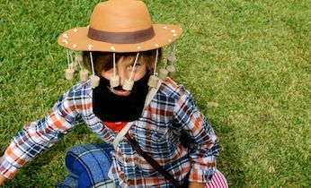 Looking for fun costume ideas for kids? This jolly Australian swagman costume from the Waltzing Matilda song is an easy costume idea for Australia Day.
