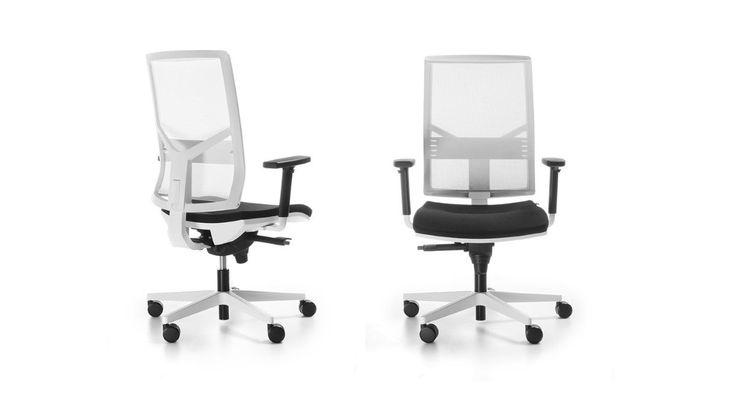 Fotel Eleven posiada ergonomiczne kształty, które rozumieją ludzkie ciało. Oparcie fotela wykonane jest z przewiewnej membrany, co daje gwarancję komfortowego siedzenia przez wiele godzin. Posiada 11 funkcji dostosowanych do indywidualnych potrzeb każdego użytkownika jak regulacja wysokości oparcia, głębokości i wysokości siedziska, a także podparcia lędźwiowego. #bejot #lobos #krzesło #biuro #meblebiurowe #meble #furniture #work #design #chair #wnętrza