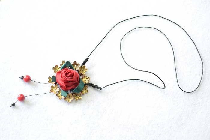 Easy Tutorial on How to Make a Ribbon Rosette Necklace