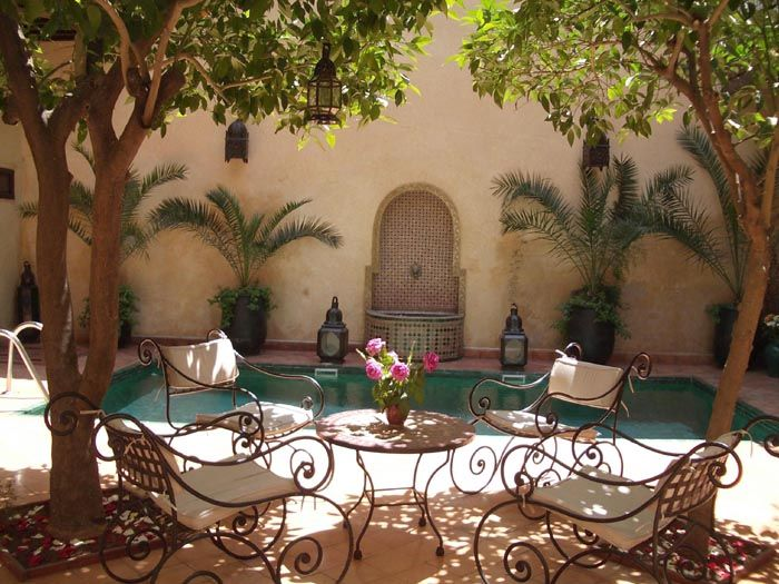 Google Image Result for http://tailormade-morocco.co.uk/images/large-landscape/Page10Top%2520Petit%2520Riad.JPG