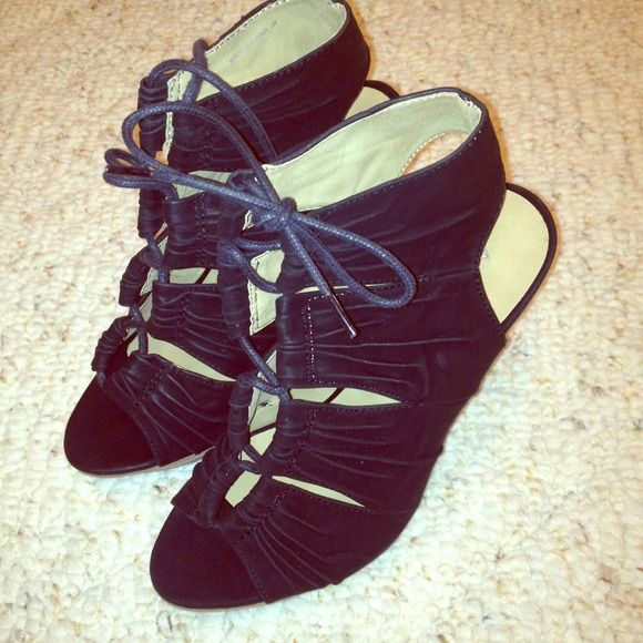 Brand new Aldo Heel Sandals- today only $25 These are new have never wore them out. ALDO Shoes Sandals