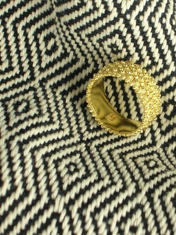 Fede sarda, fascia in oro a tre file