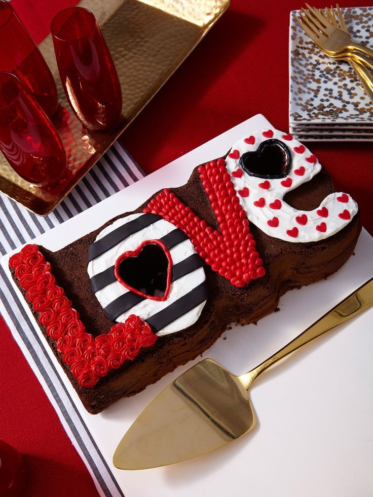 Love Valentine S Day Cake Valentines Day Cakes Valentine Desserts Cake