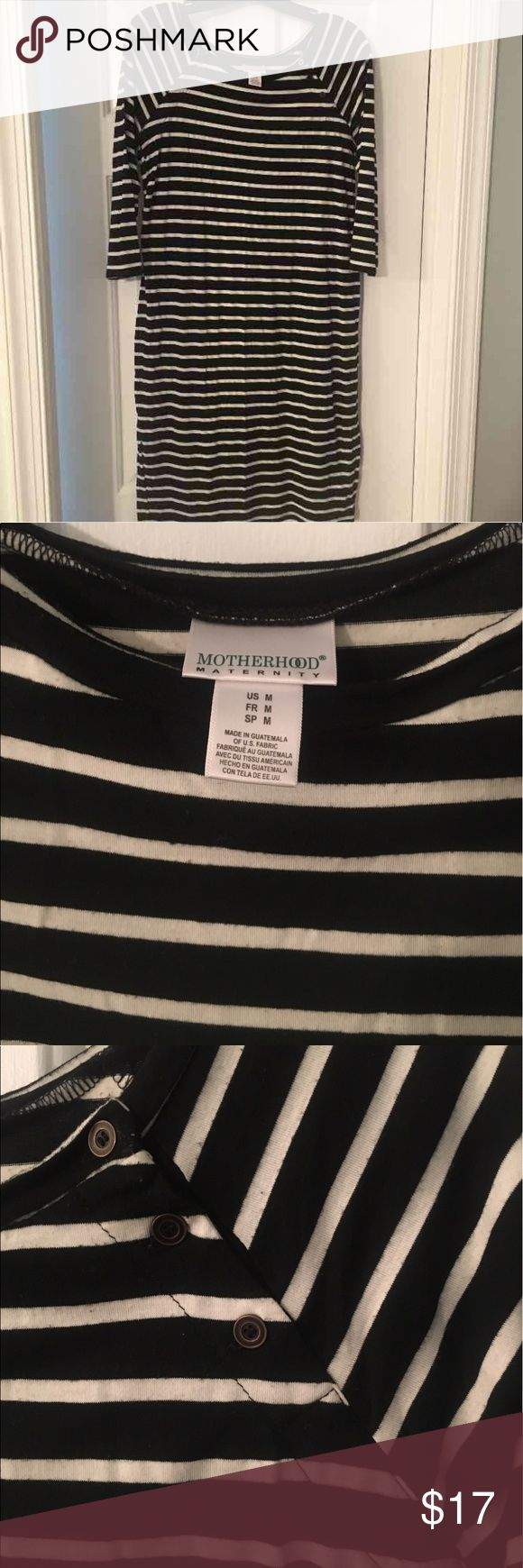 Striped Maternity Dress Size medium. Motherhood maternity brand. Black and white striped with button detail near shoulders. Super flattering. Motherhood Maternity Dresses Midi