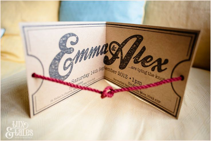 Tie the knot wedding invitation for wedding with wood theme    Tux & Tales Photography