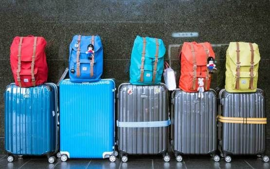 Too heavy baggages to travel with? Rely on the professionals of Flexfly Canada for excess baggage services Toronto and get quick relief.