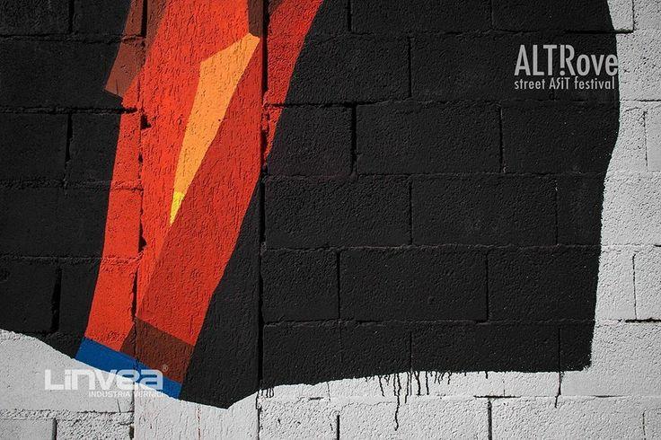 Nel regno dei Feaci - 108 per ALTrove - Street Art Festival #Catanzaro  108 esegue il tributo al mitologico popolo che accolse Ulisse in queste terre, utilizzando le #vernici #Linvea.  Il murale si trova su un edificio razionalistico dismesso e abbandonato, nell'ex mercato del quartiere Lido. Ph Angelo Jaroszuk Bogasz #Linvea #abstractism #urbandesign #colors #farben #streetart