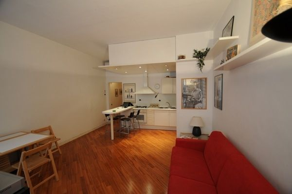 Rome, Italy Vacation Rental, 1 bed, 1 bath, kitchen with WIFI in Colosseo. Thousands of photos and unbiased customer reviews, Enjoy a great Rome apartment rental perfect for your next holiday. Book online!